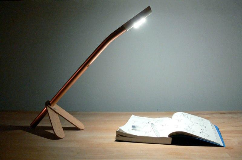 88724c89cdbb0 V obývacej izbe by malo byť tlmené svetlo, ktoré oceníte pri sledovaní  televízie. Nechcete si predsa kaziť zrak. Pri čítaní zas využijete stojaciu  ...