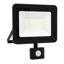 LED Reflektor so senzorom LED/50W/230V IP65 6000K